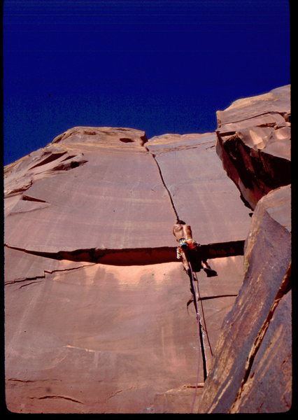 Bob Horan on an early ascent of Super Crack. Photo: Steve Mestdagh, Horan Collection.