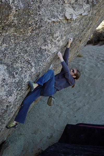 Rock Climbing Photo: 'Dale's Right' v2, Dale's Camp, Buttermilks