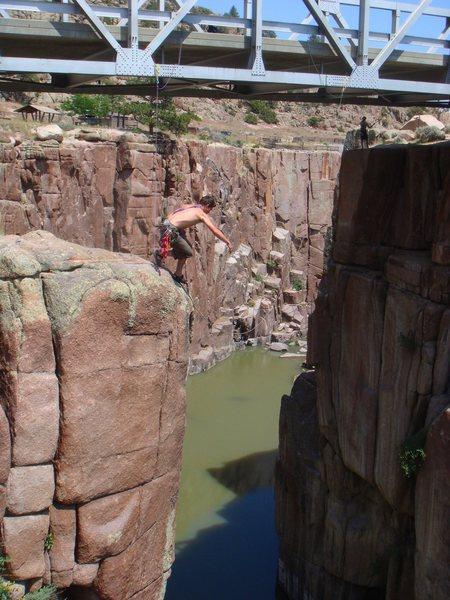 Rock Climbing Photo: Freemont Canyon Pendulum swing