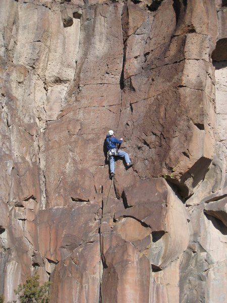 Bill above the all-too-short hand jamming and enjoying the middle section of the route. January 2009.
