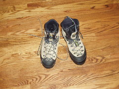 Rock Climbing Photo: Mens size 42 LaSportiva Left is Makalu, Right is G...