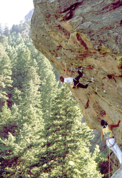 Patrick Edlinger doing laps on The Guardian, Skunk Canyon, photo: Bob Horan Collection.