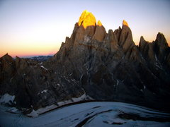 Rock Climbing Photo: Fitzroy from Cerro Standhardt just before moon ris...