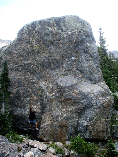 Rock Climbing Photo: The Lower Chaos Canyon landmark boulder, Skyscrape...