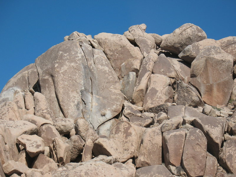 The Lechlinski Crack Formation (West Face), Joshua Tree NP.