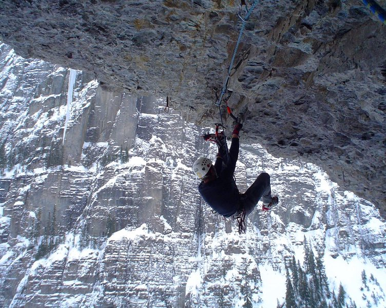 Rock Climbing Photo: Dan Dalton nearing the lip of the Poser's Lounge C...
