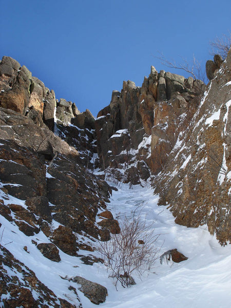 this pic looks up the standard rock finish from the main gully...