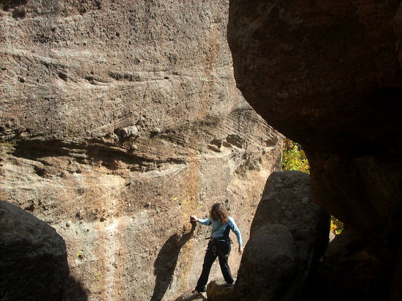 Rock Climbing Photo: The alley between the east face of the block and t...