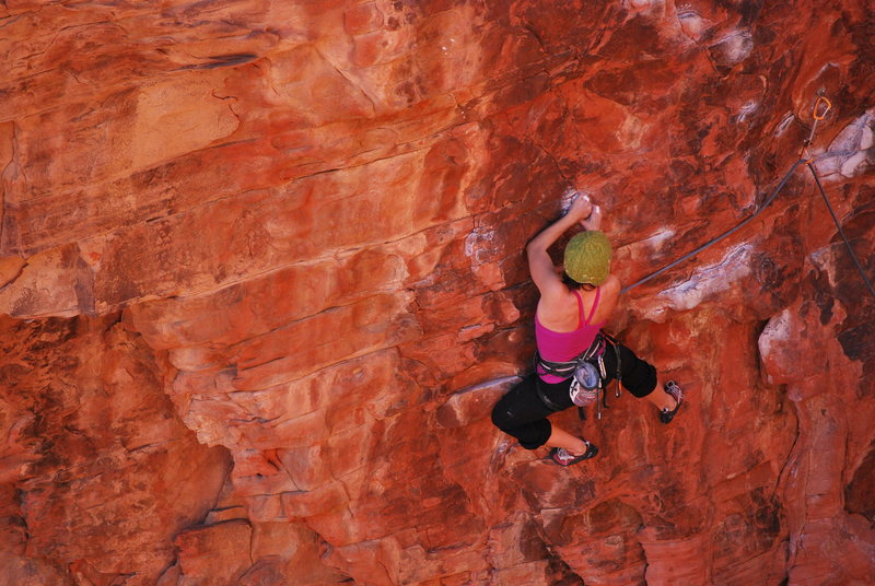 Kayte Knower mid-crux on Glitter Gulch