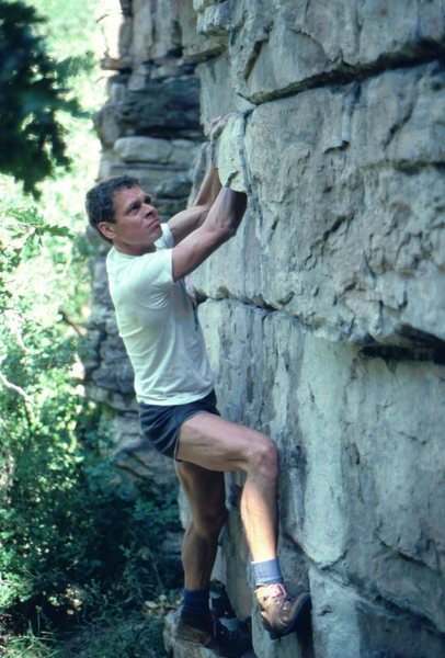 Jim Erickson bouldering in Glenwood Canyon, photo: Bob Horan Collection.
