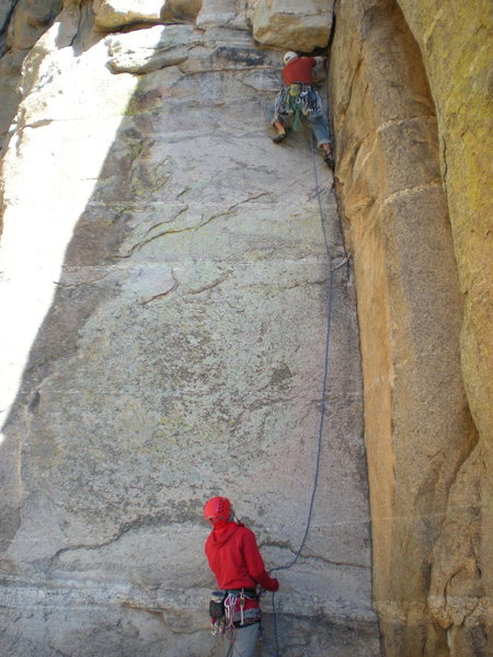 Rock Climbing Photo: Finishing up the corner.