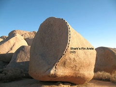 Rock Climbing Photo: Shark's Fin Arete (V2), Joshua Tree NP