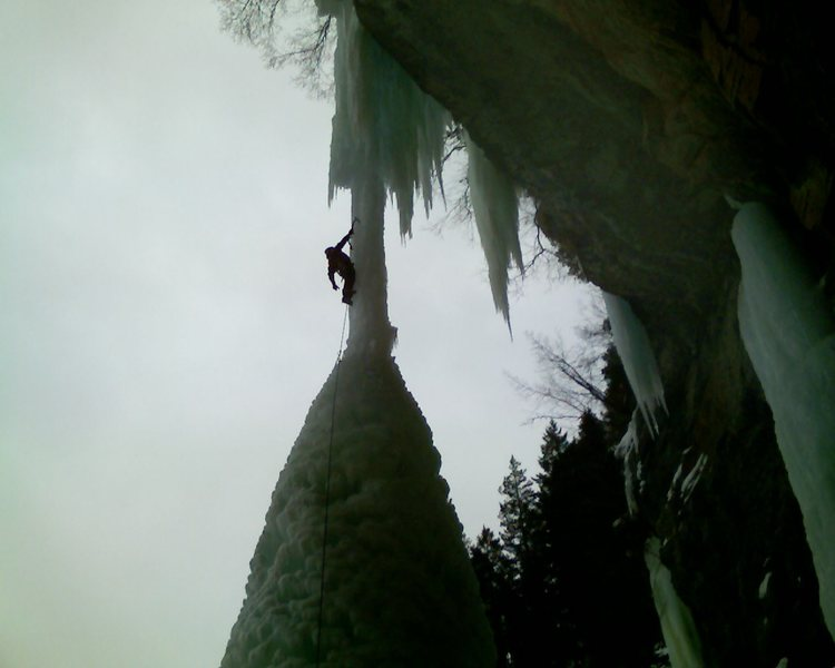 Eric climbing the Fang on 2/9/9.  The conditions were 5++.