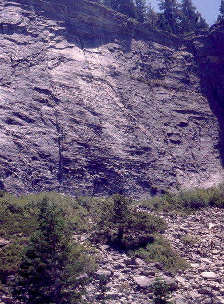 Lover's Leap Area, and The Line Route which follows a perfect multi-pitch finger crack .