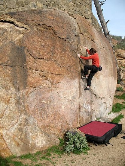 Warming up on Beehive Crack (V-easy), Mt. Rubidoux
