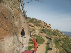 Rock Climbing Photo: Ryan stretching out on King Bee (V1), Mt. Rubidoux