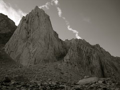 Rock Climbing Photo: The Incredible Hulk (Eastern Sierra).