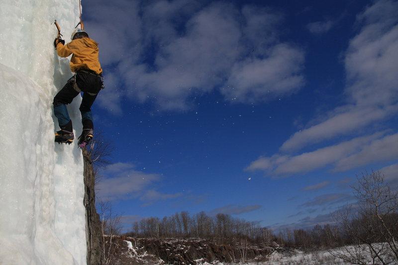 Rock Climbing Photo: Casket Quarry Feb. '09  Taken by: Tkrosbakken