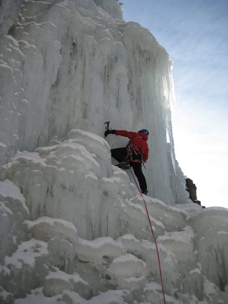 Rock Climbing Photo: GS leading the WI5 pillar on the right side.