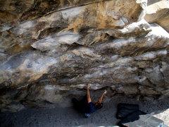 Rock Climbing Photo: Morrison bouldering master Rufus Miller traverse t...