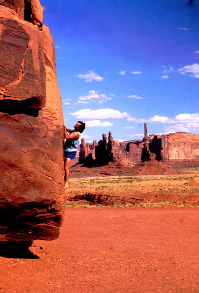 BH bouldering in Monument Valley, Arizona