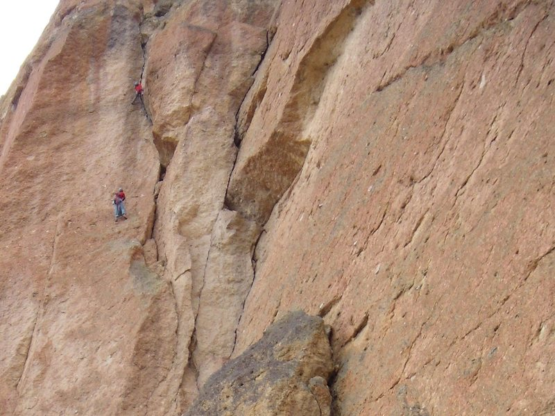 Shirley leading the 4-star third pitch of White Satin.