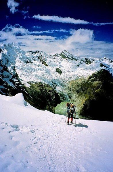 Rock Climbing Photo: Approaching Col Camp, Alpamayo.