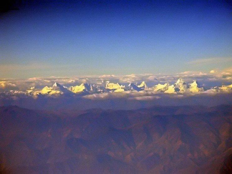 Nevado's Santa Cruz, Quitaraju, Alpamayo, Artesonraju, and the Huandoy group.