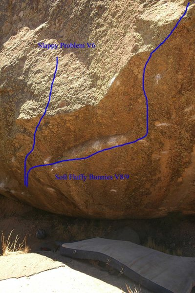 The right side of the scoop area of Lost Descent boulder.