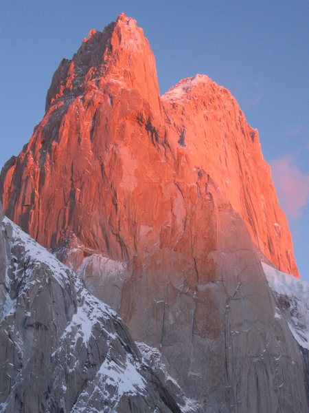 Sunrise on the mighty SE face of Poincenot