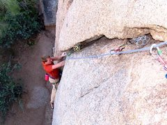 Rock Climbing Photo: Starting up Banana Crack