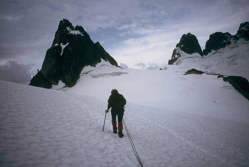 Jenna on approach to Pigeon Spire.  Bugaboos 1997?