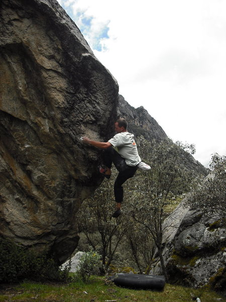 Rock Climbing Photo: Josh on The Llaca Arete V4-5