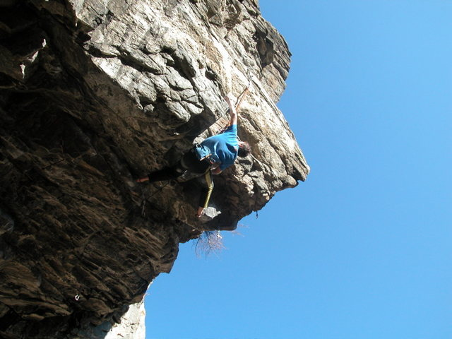 Rock Climbing Photo: The very difficult stab crux of Stone Cold Modern....