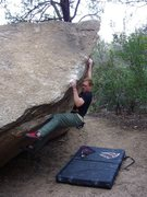 Rock Climbing Photo: Cochise Stronghold, Unnamed V3+/4- warm-up