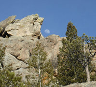 Rock Climbing Photo: I see the bad moon arising.