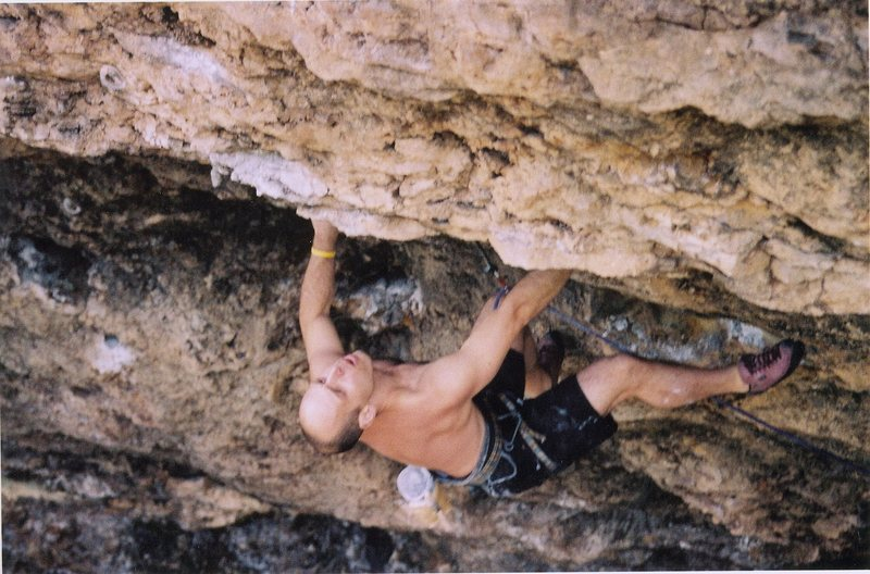 Rock Climbing Photo: Joe Mos getting Gnarly at the lip of the roof.