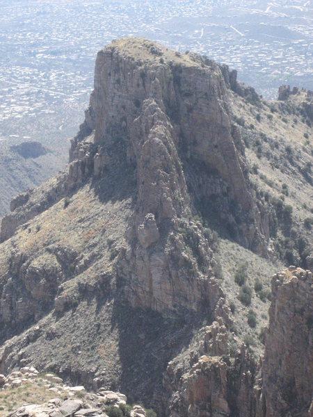 Rock Climbing Photo: Ridges looking south from Thimble Peak.