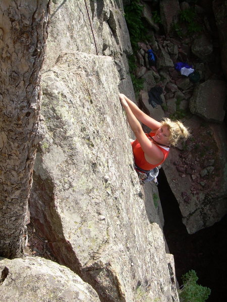 Rock Climbing Photo: Kimberly cranks over the 1st pitch overhang!