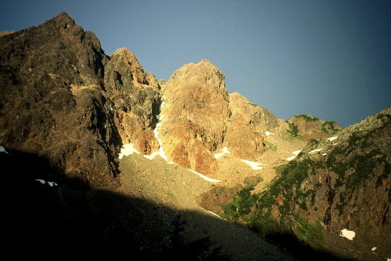Rock Climbing Photo: Evening light on the South Peak from camp at Daiph...