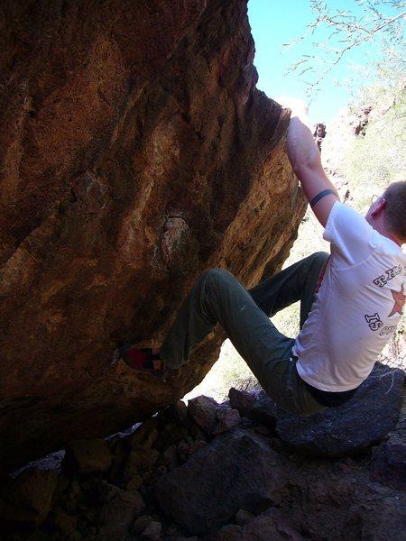 Rock Climbing Photo: Pocket Stuffer V7, Javelina Cave, Silverbell Bould...