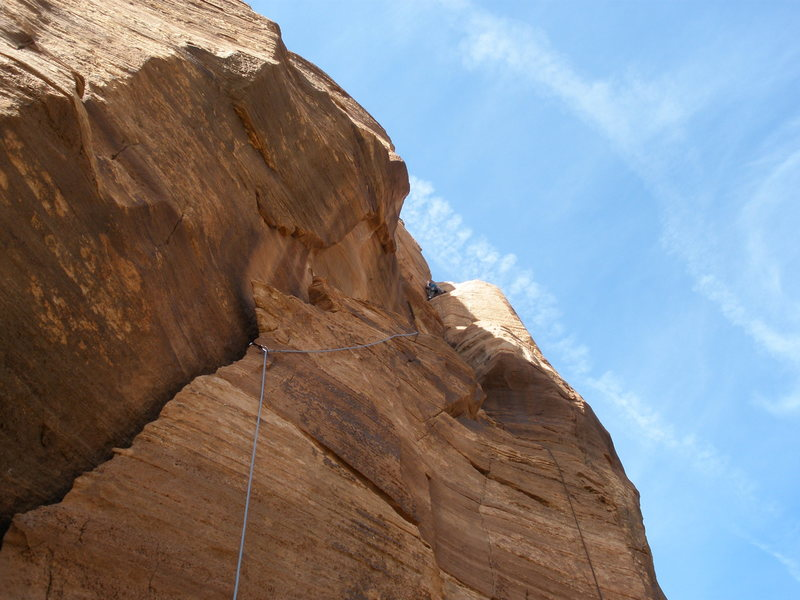 Rock Climbing Photo: A good look at most of pitch 5, with offwidth sect...