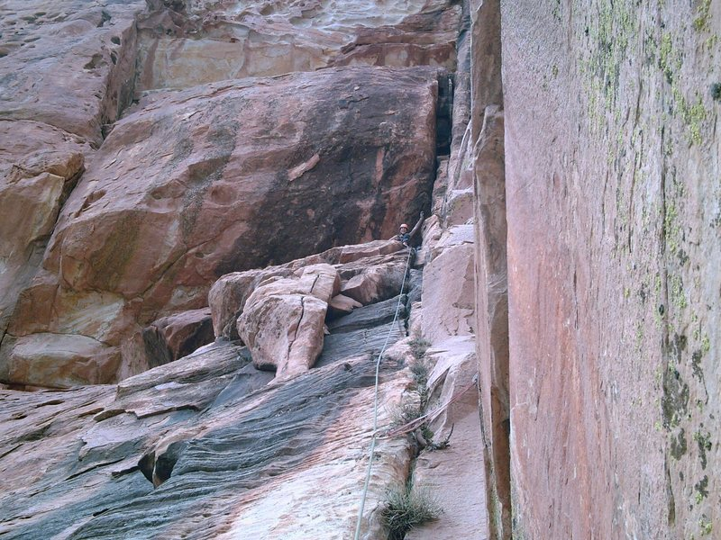 Showing the belay at the end of pitch @POUND@2.