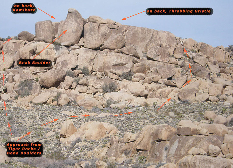 Rock Climbing Photo: Approach from the Bond Boulders and Tiger Rocks