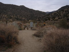 Rock Climbing Photo: Visual Guide.  After going straight on the trail y...