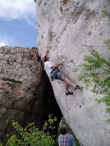 Careful not to fall on your belayer