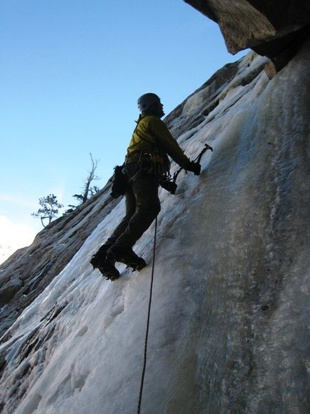 Cocoa Puffs ice climbing:  up the corner.  Photo by B Smoot.
