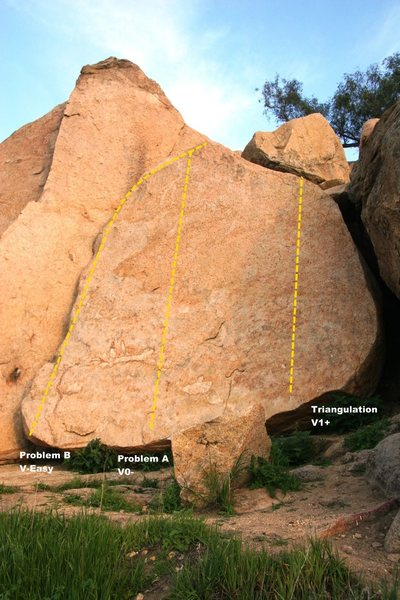 Rock Climbing Photo: Triangle Boulders Right Topo