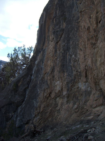 Rock Climbing Photo: Within Range (5.10) at the Hole Wall, East Canyon.
