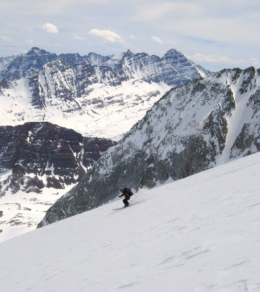 Rock Climbing Photo: Maroon Bells and Pyramid in the distance